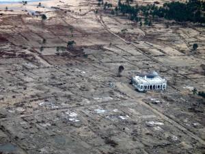 December-26-2004-tsunami-mosque-04